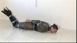 Toaxxx - Sexy Rubber Slave Julia Power 2