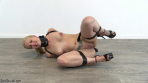 Liz Rainbow – tight armbinder and posture collar